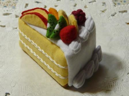 フェルト手芸 フルーツケーキ 1カット
