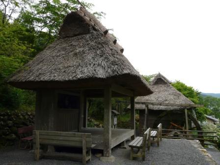 太郎川公園 茶堂