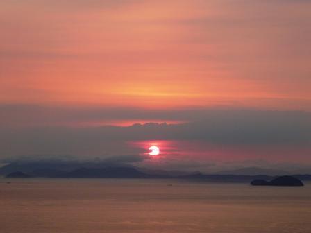 谷上山展望台から 19:14
