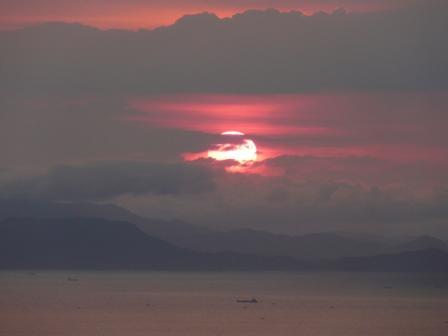 谷上山展望台から 19:15