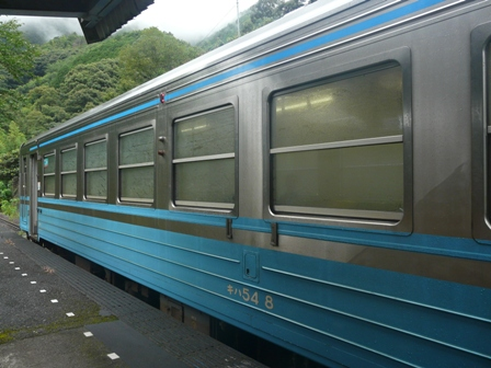 半家駅 キハ54形