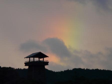短い虹 2
