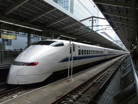 東京駅 新幹線 300系
