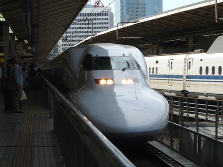 東京駅 新幹線 700系