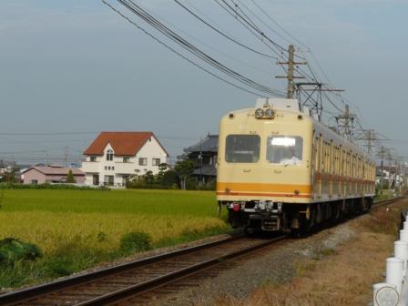 伊予鉄道・田窪駅付近 モハ820形