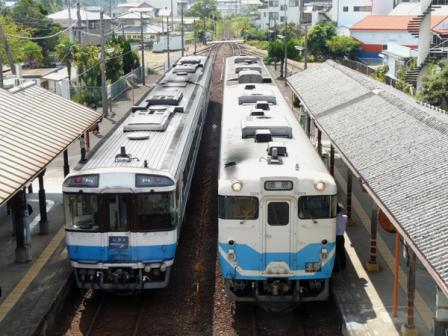 日和佐駅 特急むろと(キハ185系)・キハ47形 1