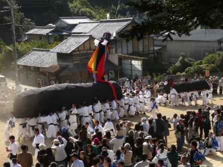 菊間祭り 牛鬼 2