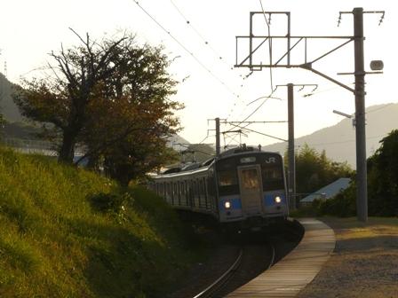 津島ノ宮駅 121系電車 1