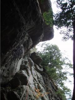 城山インナーウォール2へのFIXロープ
