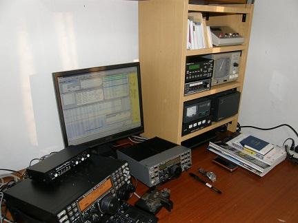 desk_20100221.jpg
