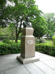 クラーク博士銅像