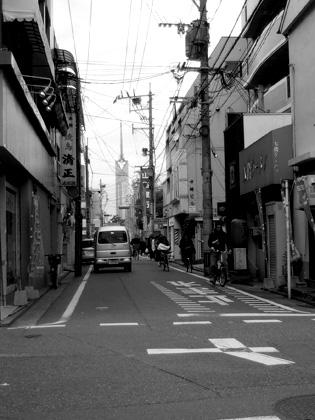 遠くに見えるのは福岡タワー