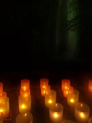 箕面の滝と蝋燭