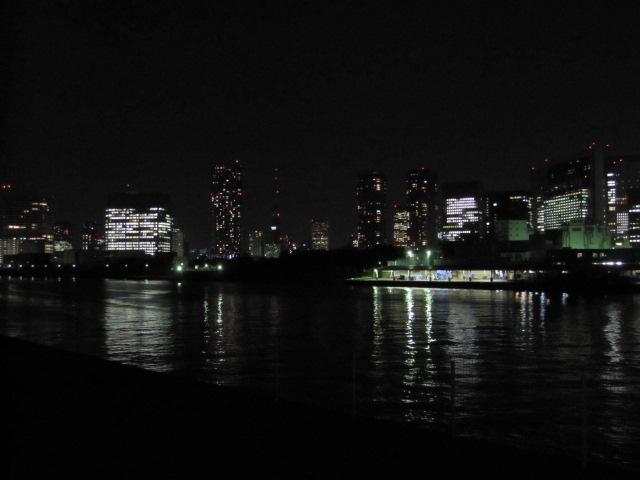 真ん中に東京タワー