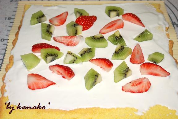 フルーツのロールケーキ1