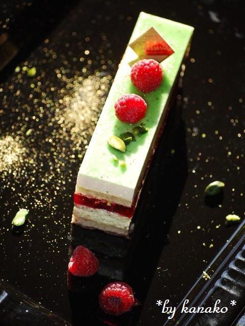 ●●●ピスタチオ&ホワイトチョコレートのケーキ4