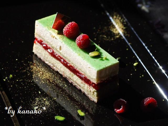 ●●●ピスタチオ&ホワイトチョコレートのケーキ5