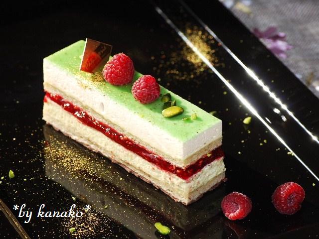 ●●●ピスタチオ&ホワイトチョコレートのケーキ3
