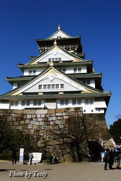... :大阪城の天守閣は 博物館 1