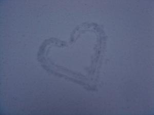 snowheartconvert_20120123012941.jpg