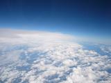 見下ろす雲。
