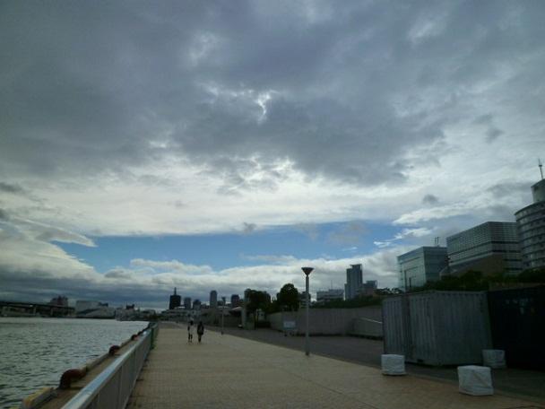この日は風が強くて,高速では何度も風で転倒しそうになりました 死ぬかとホンキで感じました