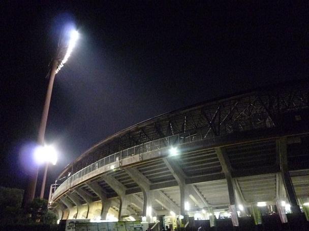 昭和の球場ってこんな感じだったんですよ