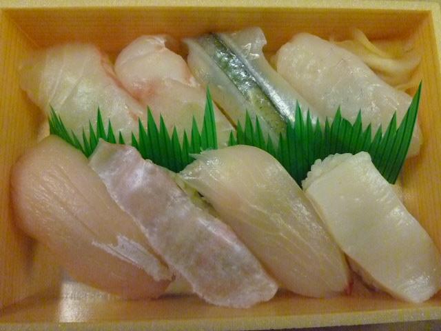 さて皆さん,それぞれ何のお魚でしょうか