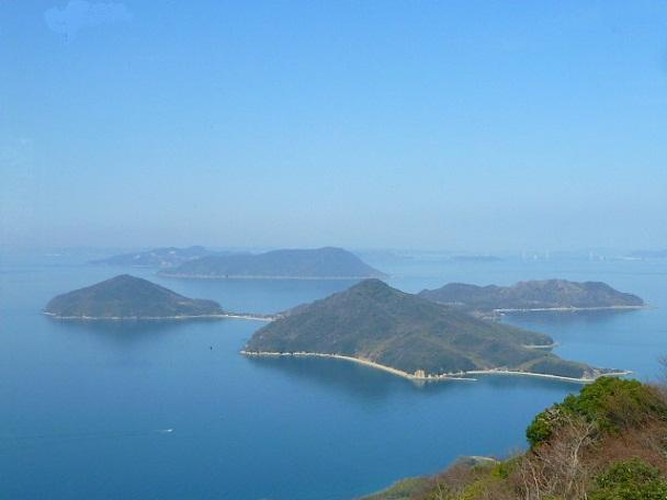 粟島がよく見えます