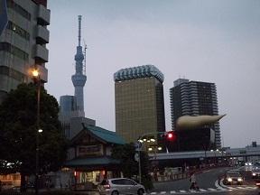 浅草駅下車すぐ吾妻橋からの写真です