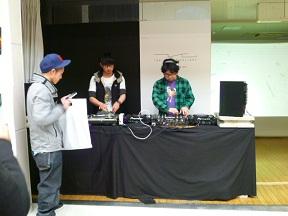 DJの2人です