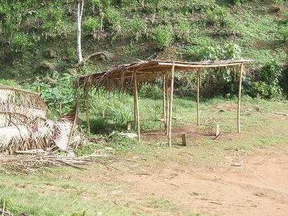 小屋とフェンス