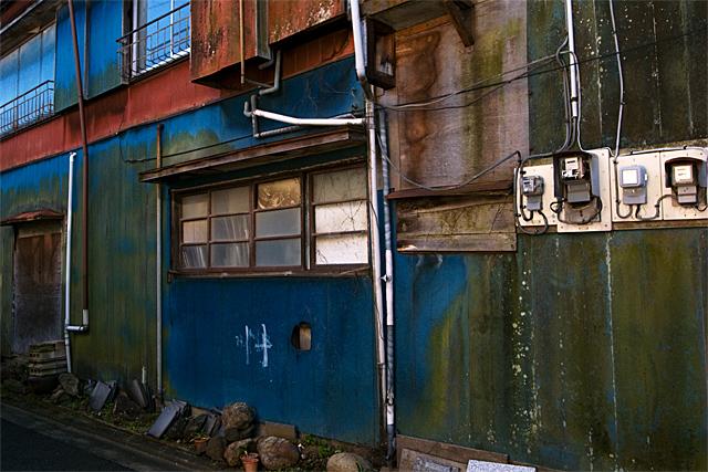 090125_002_ペンキの壁