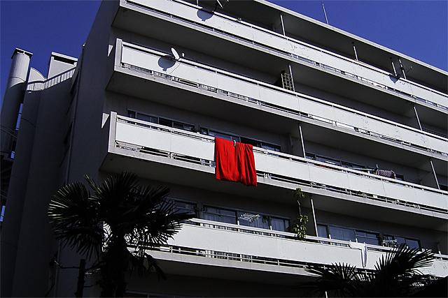 090424_001_紅い毛布