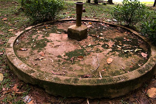 アンコールワット東門集落跡の井戸
