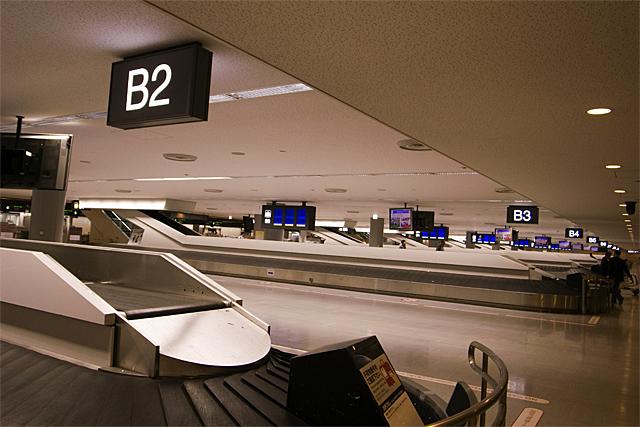 090802_003_成田空港