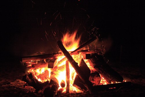 bonfire002.jpg