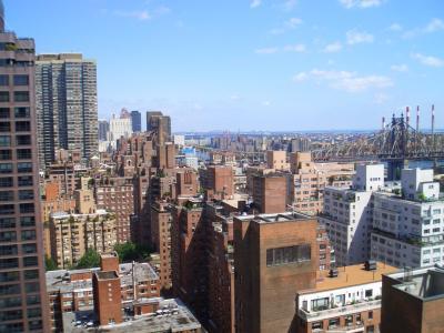NYのアパートの窓から1