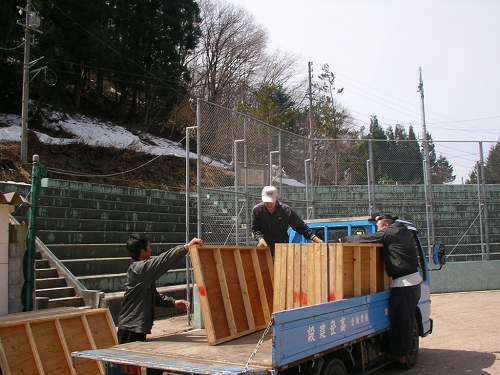 2010年雪まつり4月片付け (7)