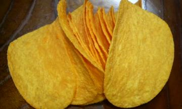 Pringles CHEDDAR CHEESE 中身