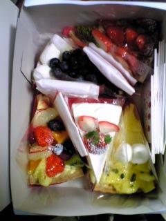 フルーツケーキファクトリーのフルーツケーキ