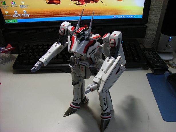 マクロスF、VF-25F 010