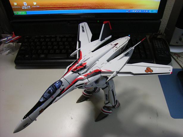 マクロスF、VF-25F 013