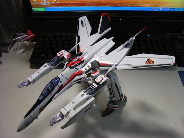 マクロスF、VF-25F 016