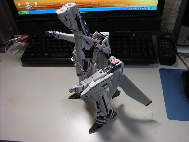 マクロスF、VF-25F 024