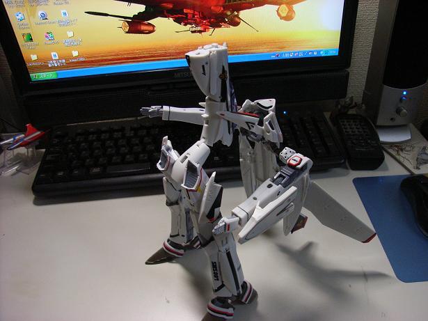 マクロスF、VF-25F 027