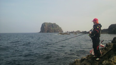 2011.6.12 サザエ本島 西向きから御積島