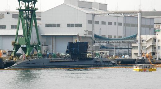 潜水艦が修理中@川崎重工業神戸工場