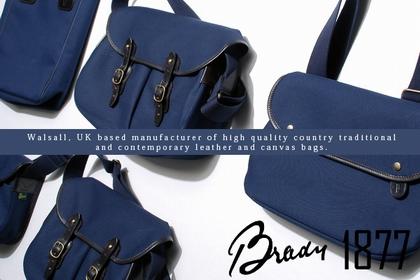 英国老舗バッグメーカー、BRADY(ブレディ)のネイビーカラーシリーズ。