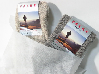FALKE WALKIE/ファルケのウールソックス。